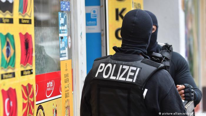 Акция на полицията срещу клановете в Берлин-Нойкьолн
