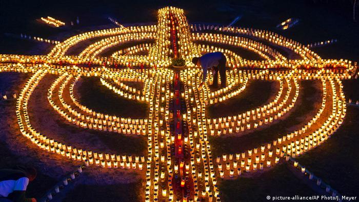 BdTD Zella-Mehlis Kerzen zum Gedenken an fast 4000 Coronavirus-Opfer in Deutschland