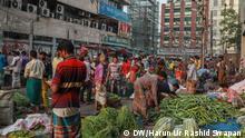 Bangladesch Dhaka Markt beim Einkaufen wird Abstandsregel missachtet