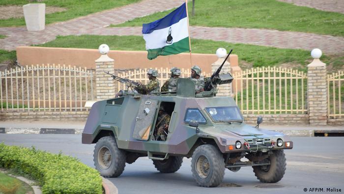 Lesotho Corona-Pandemie | Machtkampf | Thomas Thabane setzt Militär ein (AFP/M. Molise)