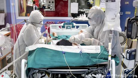 Italien Corona-Pandemie   Fast 98.000 Corona-Todesfälle in Europa (picture-alliance/AP Photo/C. Furlan)