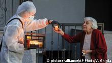 BdTD Rumänien Bukarest Verteilung des Heiligen Lichts vor Osterfest