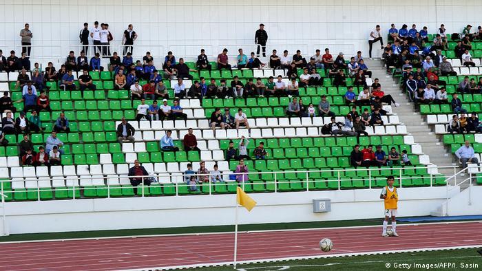 Turkmenistan | Fußball trotz Corona: Altin Asyl gegen Kopetdag (Getty Images/AFP/I. Sasin)
