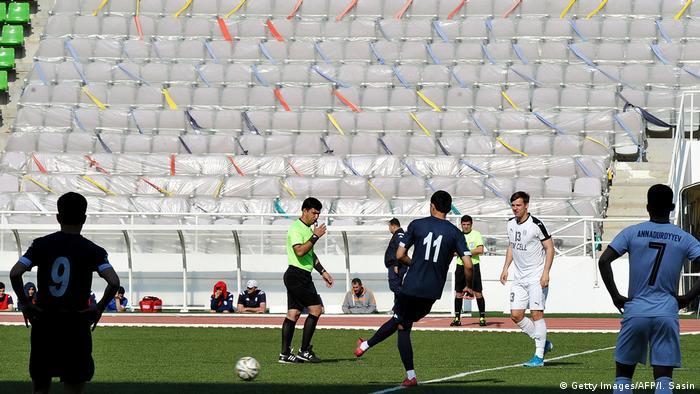 Turkmenistan | Fußball trotz Corona: Altin Asyl gegen Kopetdag