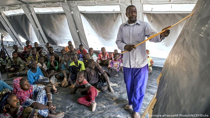 Mali Symbolbild Bildung (picture-alliance/AP Photo/UNICEF/Dicko)