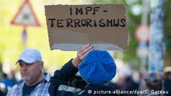 Τρομοκρατία των εμβολιασμών βλέπουν κάποιοι συνωμοσιολόγοι και στη Γερμανία