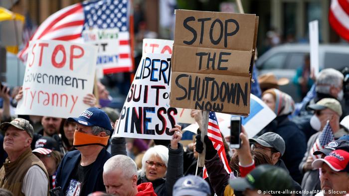 USA   Pennsylvania   Proteste gegen Coronavirus-Beschränkungen (picture-alliance/dpa/AP/M. Slocum)