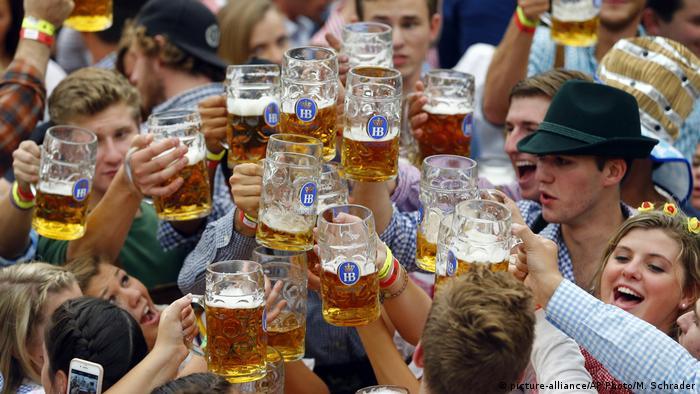 Coronavirus Oktoberfest Bayern Deutschland (picture-alliance/AP Photo/M. Schrader)