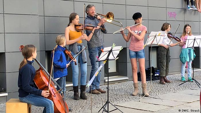 Berlin Bianca Hase Konzertflötistin musiziert öffentlich