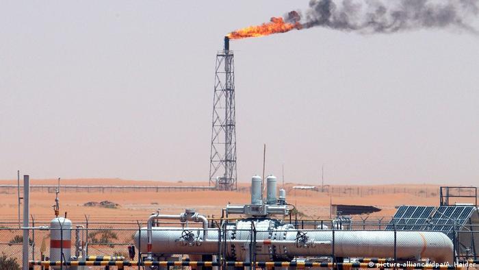 Ölfeld in Saudi-Arabien (picture-alliance/dpa/A. Haider)