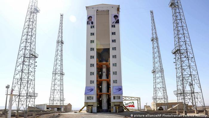 Iran Trägerrakete mit Satellit
