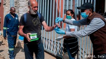 Distribución de alimentos en la pandemia, en Johannesburgo. (Abril 2020).
