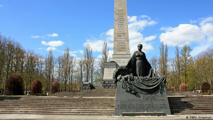 Кладбище-памятник воинам Советской армии в берлинском Панкове
