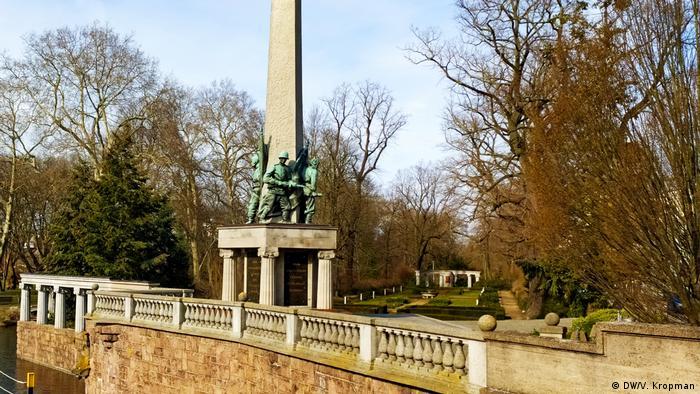 Мемориальное кладбище в Бранденбурге-на- Хафеле