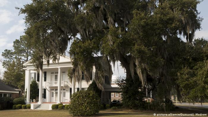 Typische Südstaaten-villa, USA Florida Tallahassee Villa (picture-alliance/Dumont/J. Modrow)
