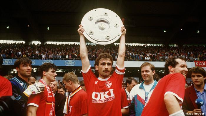 1990-1991 sezonunda Kırmızı Şeytanlarla 1. Bundesliga şampiyonu olan Stefan Kuntz