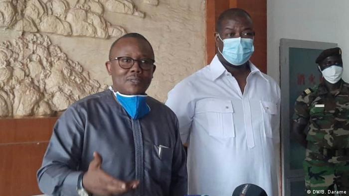 Presidente da Guiné-Bissau, Umaro Sissoco Embaló (dir.), e primeiro-ministro Nuno Gomes Nabiam