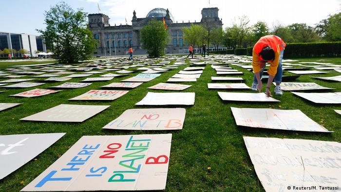 Não há planeta B: protesto em Berlim pressiona por políticas verdes mais ambiciosas