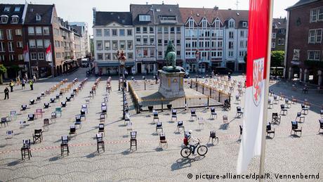 """Γερμανία: """"Φρένο"""" στη χαλάρωση μέτρων από Μέρκελ"""