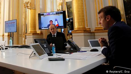 Frankreich Paris | Coronavirus | Emmanuel Macron & WHO, Video-Konferenz (Reuters/C. Ena)