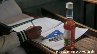 Le Covid Organics est distribué à de nombreux malgaches