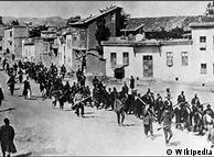 التحقت السويد بركب الدول التي أقرت أن الأرمن تعرضوا داخل الأراضي  العثمانية إبان الحرب العالمية الأولى للإبادة الجماعية