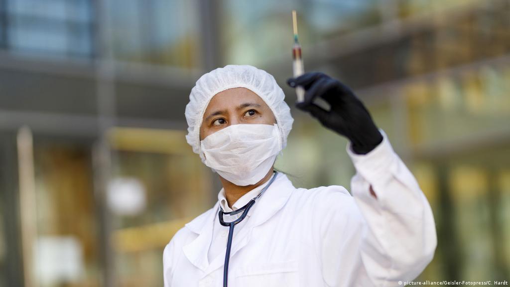 Coronavirus minuto a minuto: Primeras pruebas de vacuna china dan  resultados positivos +++ | El Mundo | DW | 22.05.2020