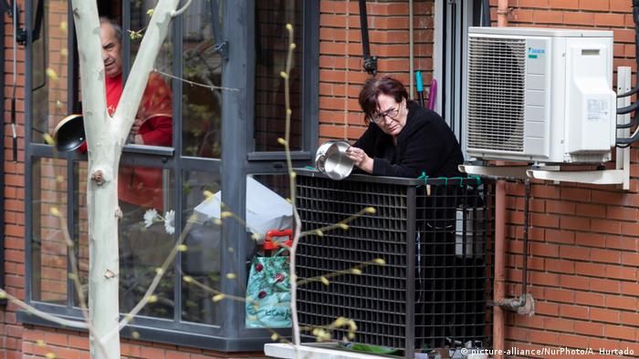 Spanien Madrid im Ausnahmezustand für Coronavirus (picture-alliance/NurPhoto/A. Hurtado)