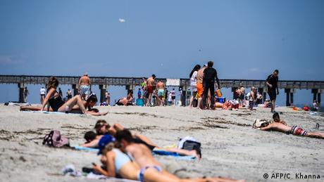 USA | Georgia | Menschen auf Tybee Island trotz Koronavirus-Krise (AFP/C. Khanna)