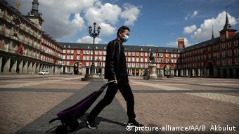 Spanien Coronakrise Ausgangssperre leere Straßen (picture-alliance/AA/B. Akbulut)