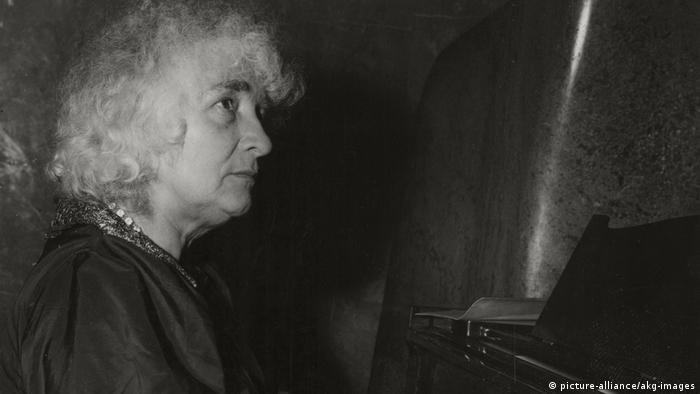 Elly Ney, seated at the piano at a recital in 1949
