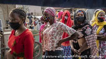 Κυρίως στην Αφρική συναντάμε κοινωνίες που δεν είναι «γηρασμένες»