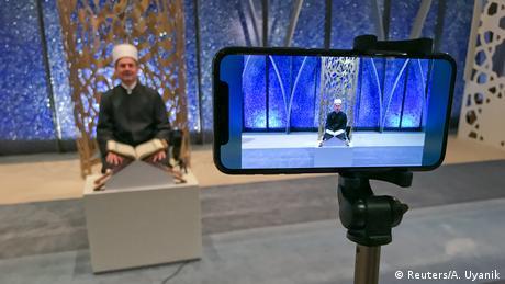 Ramadan Deutschland online Predigt (Reuters/A. Uyanik)
