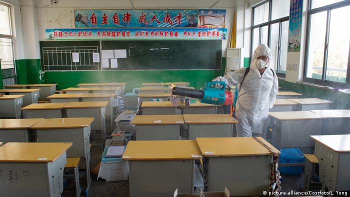 China Schule in Hubei vor Wiedereröffnung