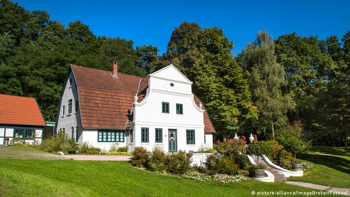 Large white house which today is a museum and gardens in Worpswede