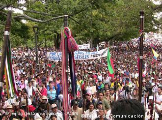 Marcha indígena de protesta: la fundación Konrad Ademauer quiere ayudar a la formación política.