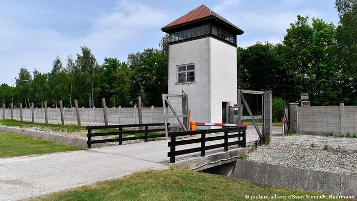 Вартова вежа у концентраційному таборі Дахау