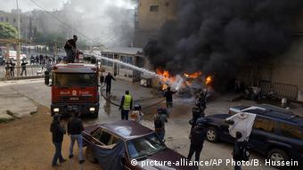 Libanon Tripolis | Unruhen während Anti-Regierungsproteste (picture-alliance/AP Photo/B. Hussein)