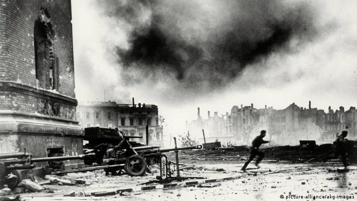 Bildergalerie Zweiter Weltkrieg | Schlacht um Berlin, 1945 (picture-alliance/akg-images)