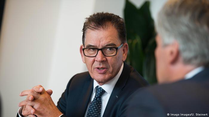 Gerhard Gerd Müller Bundesentwicklungsminister Gerhard Gerd Müller Bundesentwicklungsminister