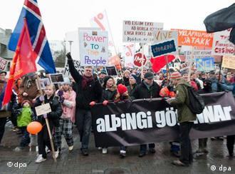 Demo in Island (Foto: dpa)