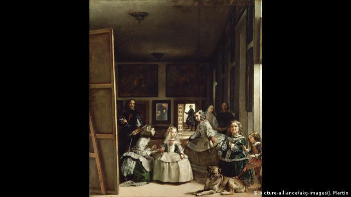 Тя е най-сложната и най-анализирана картина в западната история на изкуството. Платното изобразява 5-годишната инфанта Мария-Тереза, наобиколена от своите невръстни помощнички, телохранител, джудже и куче. В огледалото на стената се отразяват образите на краля и кралицата, родителите на Мария, в качеството им на зрители.