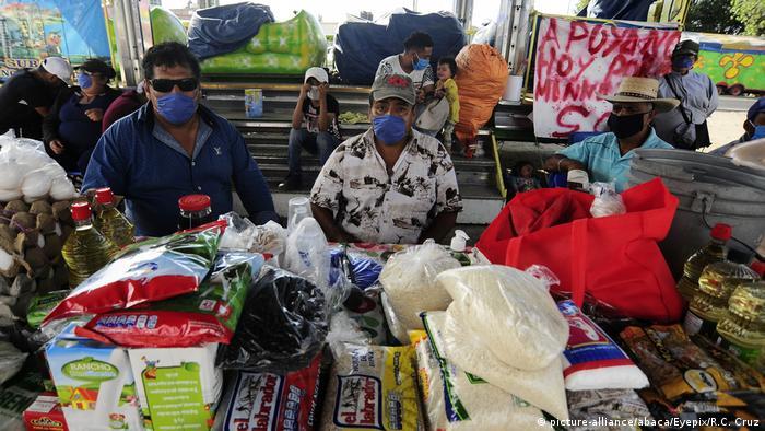 La pandemia del coronavirus, con 5 millones de contagios a nivel mundial, dejará más de 29 millones de nuevos pobres en Latinoamérica y provocará miles de desplazamientos internos, según la ONG Acción Contra el Hambre. La contracción de un 5 % de la economía y el aumento de más de 11 puntos en el desempleo harán de esta la mayor crisis del último siglo, dijo la CEPAL. (20.05.2020).