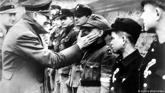 Последний резерв. Снимок сделан 20 апреля 1945 года, за 10 дней до самоубийства Гитлера