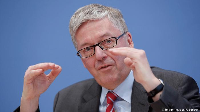 Dr. Hans-Peter Bartels, SPD, Wehrbeauftragter des Deutschen Bundestages (Imago Images/R. Zensen)