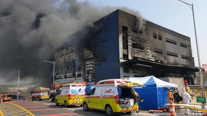 Südkorea Brand auf einer Baustelle in Icheon (Getty Images/Gyeonggi Province Fire Services )