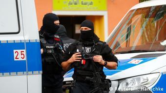 Deutschland | Berlin | Razzien gegen Hisbollah (Reuters/H. Hanschke)