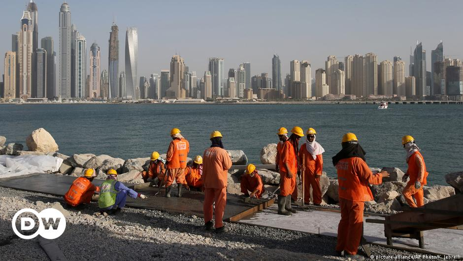 Coronavirus Deepens Risks For Migrant Workers In The Gulf In Depth Dw 01 05 2020