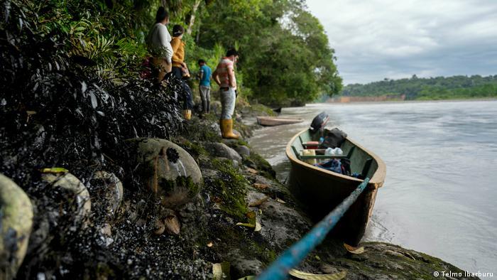 Sucumbíos, Ecuador: vertido de crudo en el río Coca, abril 2020