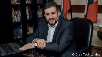 Армен Попов